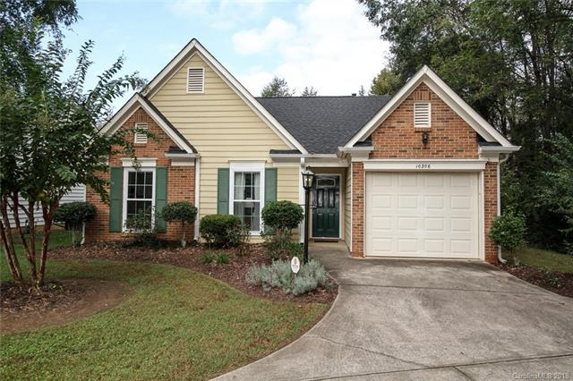 10306 Battle Court, Charlotte, NC 28215 (#3442805) :: Exit Mountain Realty