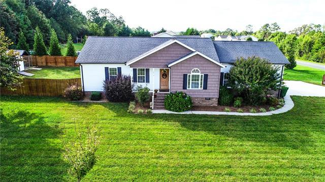 3038 Icard Rhodhiss Road, Connelly Springs, NC 28612 (#3442900) :: Rowena Patton's All-Star Powerhouse