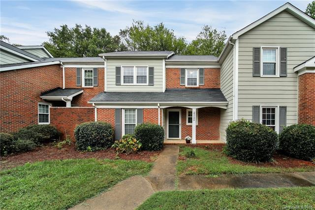 9480 Kings Falls Drive, Charlotte, NC 28210 (#3442984) :: RE/MAX RESULTS