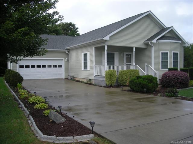 129 Beechnut Drive #6, Hendersonville, NC 28739 (#3443054) :: Team Southline