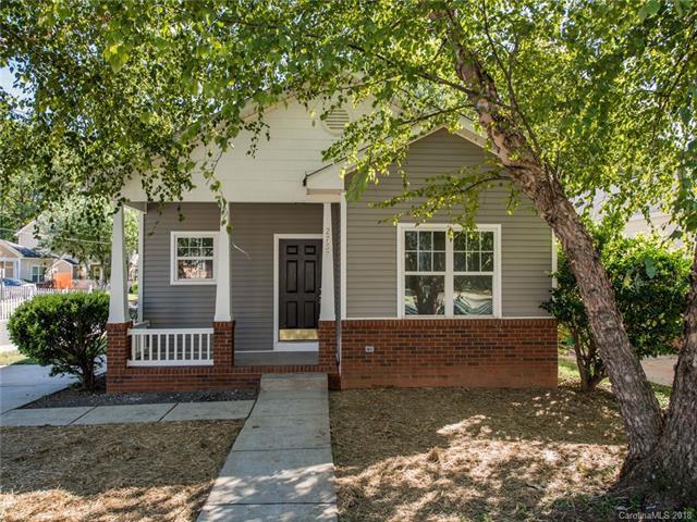 2737 Wingate Avenue, Charlotte, NC 28208 (#3443404) :: High Performance Real Estate Advisors