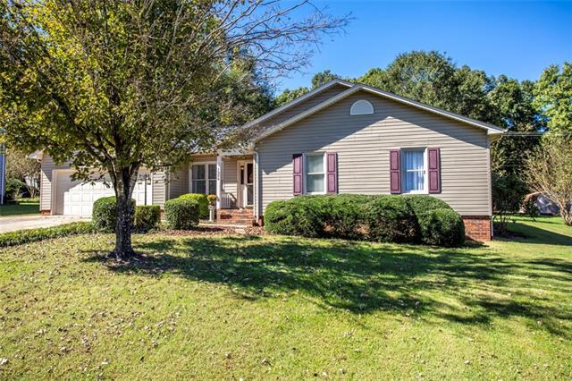 1335 31ST STREET Place NE, Conover, NC 28613 (#3443405) :: Exit Mountain Realty