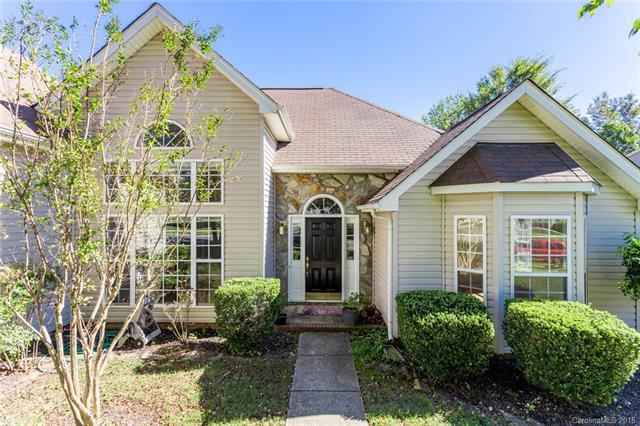 9142 Swallow Tail Lane, Charlotte, NC 28269 (#3443768) :: The Ramsey Group