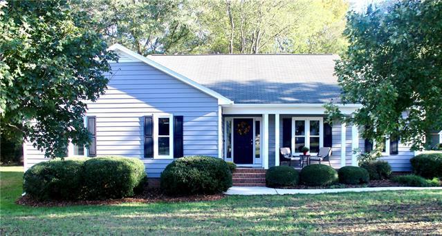 8467 Middleton Circle, Harrisburg, NC 28075 (#3443810) :: Carlyle Properties