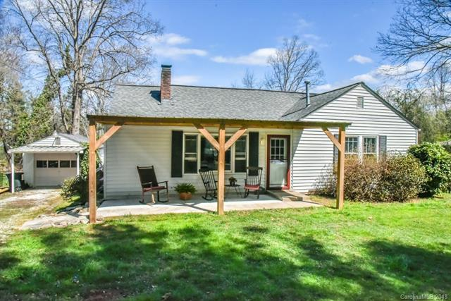 503 W Chestnut Drive, Hendersonville, NC 28739 (#3443834) :: Exit Mountain Realty