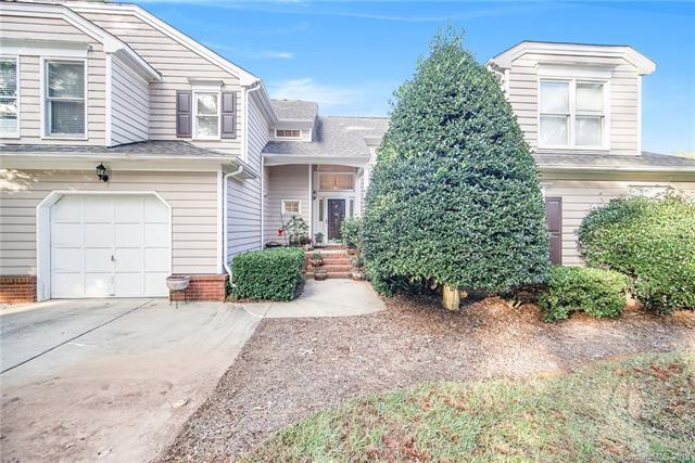 8611 Fox Chase Lane, Charlotte, NC 28269 (#3443948) :: High Performance Real Estate Advisors
