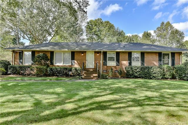 400 Lansdowne Road Na, Charlotte, NC 28270 (#3444117) :: Robert Greene Real Estate, Inc.