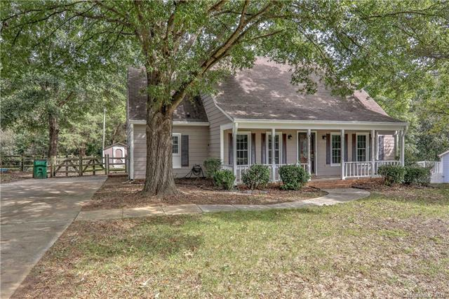 12214 Painted Tree Road, Charlotte, NC 28226 (#3444297) :: Miller Realty Group