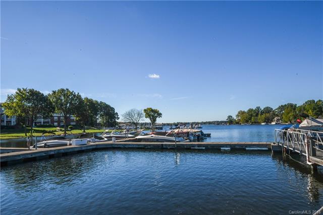 18619 Harborside Drive, Cornelius, NC 28031 (#3444394) :: Mossy Oak Properties Land and Luxury