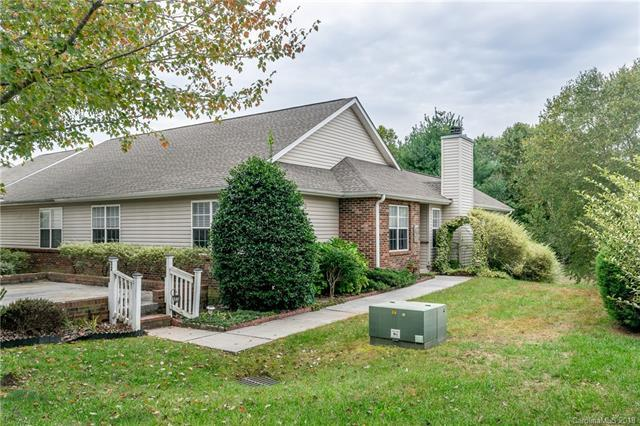 32 S Creekside Court, Hendersonville, NC 28791 (#3444403) :: RE/MAX RESULTS