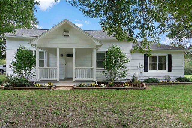 700 Rock Hill Church Road, Matthews, NC 28104 (#3444438) :: Mossy Oak Properties Land and Luxury