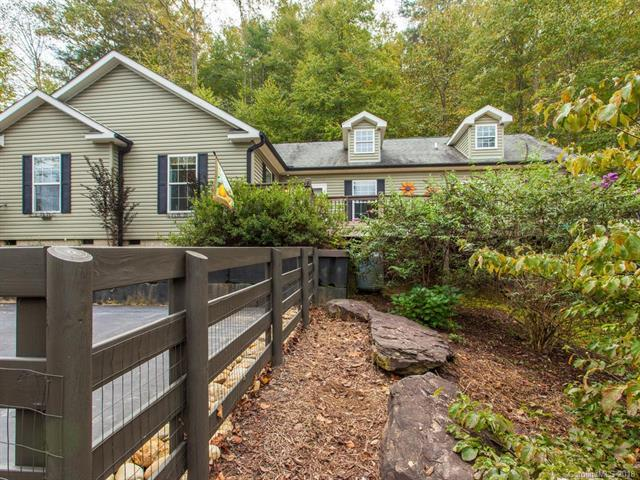 438 Dupont Road, Hendersonville, NC 28739 (#3444493) :: RE/MAX Four Seasons Realty