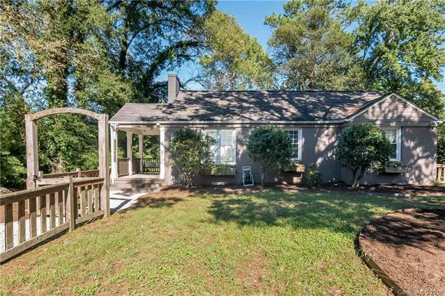1715 Beckwith Place, Charlotte, NC 28205 (#3444506) :: RE/MAX RESULTS