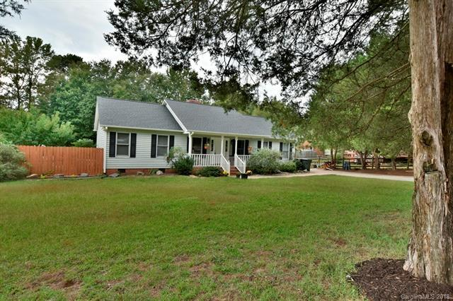 1941 Lakeview Drive, Rock Hill, SC 29732 (#3444720) :: Phoenix Realty of the Carolinas, LLC