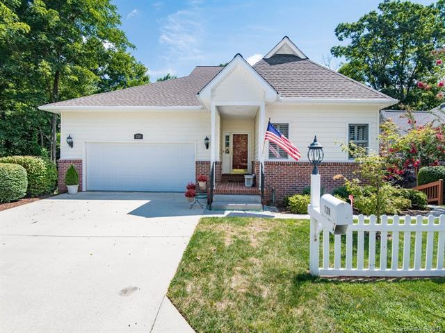 120 Carriage Summitt Way, Hendersonville, NC 28791 (#3444729) :: Zanthia Hastings Team