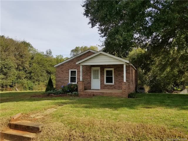 5016 Clearwater Lake Road, Mount Holly, NC 28120 (#3444832) :: Chantel Ray Real Estate