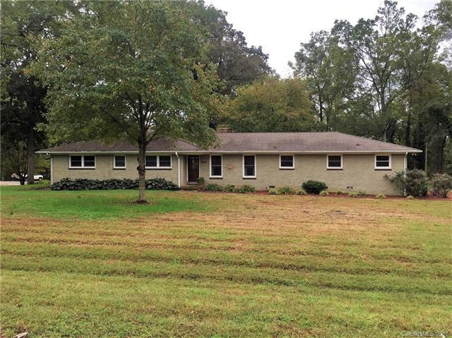 9409 Stonegate Drive, Charlotte, NC 28216 (#3444872) :: MECA Realty, LLC