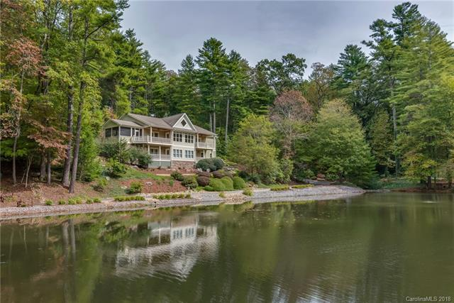 28 Oak Gate Drive, Hendersonville, NC 28739 (#3444909) :: Exit Mountain Realty