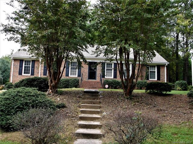 9820 Windy Meadow Lane, Charlotte, NC 28269 (#3445096) :: Exit Mountain Realty