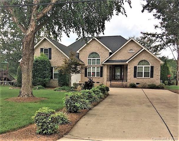11625 Riverhaven Drive, Charlotte, NC 28214 (#3445098) :: Burton Real Estate Group