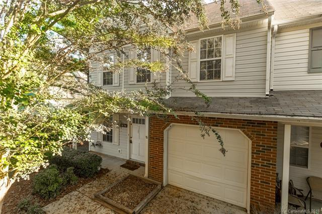 9636 Terrier Way, Charlotte, NC 28269 (#3445120) :: The Ramsey Group