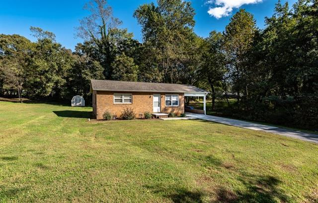 1864 14th St Place NE, Hickory, NC 28601 (#3445129) :: Exit Mountain Realty
