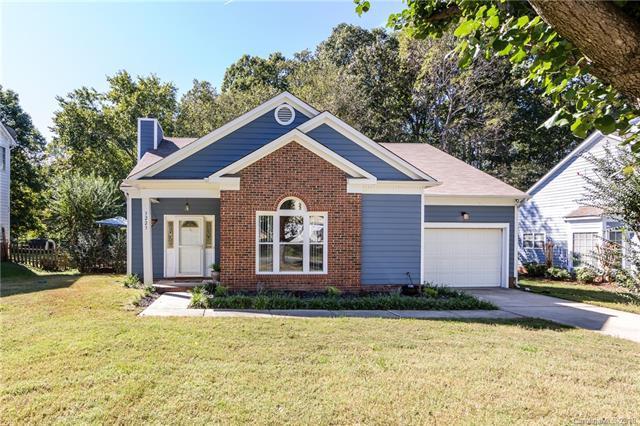 3223 Ashwell Oaks Lane, Matthews, NC 28105 (#3445153) :: Scarlett Real Estate