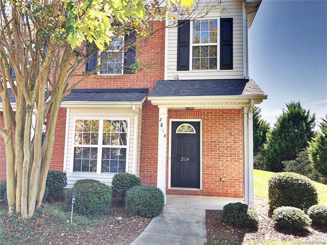 2814 Summergrove Court, Matthews, NC 28105 (#3445384) :: Scarlett Real Estate