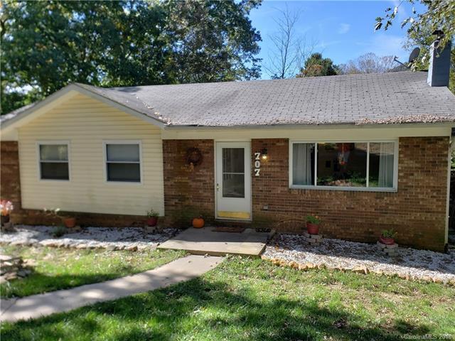 707 N Cherokee Avenue, Black Mountain, NC 28711 (#3445483) :: Scarlett Real Estate