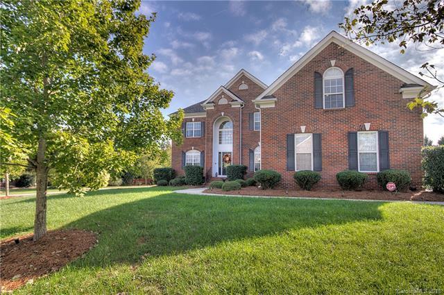 7001 Shadow Rock Court, Matthews, NC 28104 (#3445533) :: MartinGroup Properties