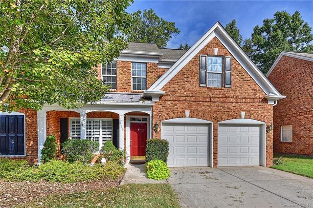 815 Treverton Drive, Matthews, NC 28105 (#3445541) :: MartinGroup Properties
