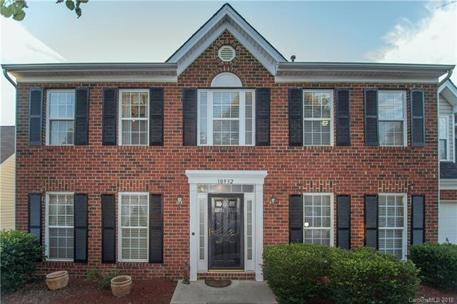 10932 Harmony Glen Court, Charlotte, NC 28273 (#3445558) :: Keller Williams South Park