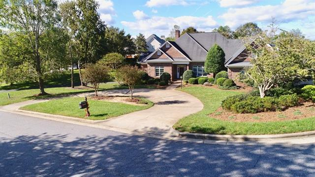 3635 8th Street Place NW, Hickory, NC 28601 (#3445808) :: MartinGroup Properties