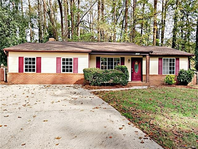 6300 Ivory Palm Drive, Charlotte, NC 28227 (#3445963) :: Exit Mountain Realty
