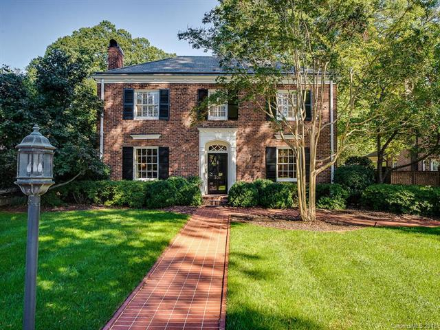 301 Hempstead Place, Charlotte, NC 28207 (#3446021) :: The Sarah Moore Team