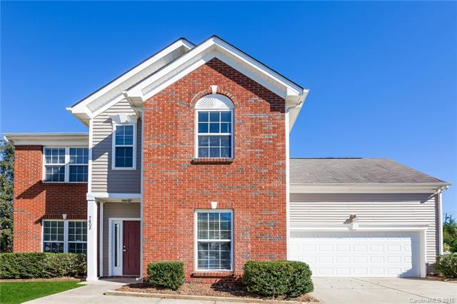 7802 Rolling Meadows Lane, Huntersville, NC 28078 (#3446100) :: The Temple Team