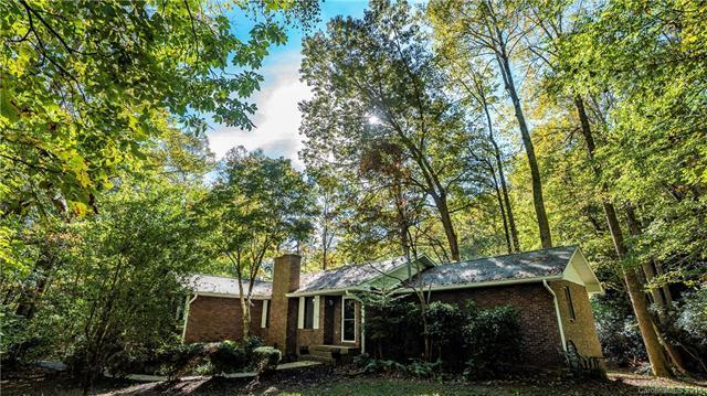144 Finley Brook Way, Hendersonville, NC 28739 (#3446221) :: Rinehart Realty