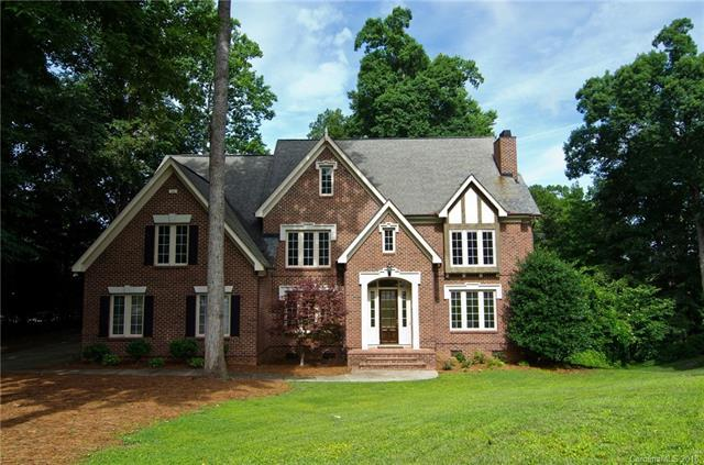 509 Shadow Cove Lane, Lake Wylie, SC 29710 (#3446248) :: The Sarah Moore Team