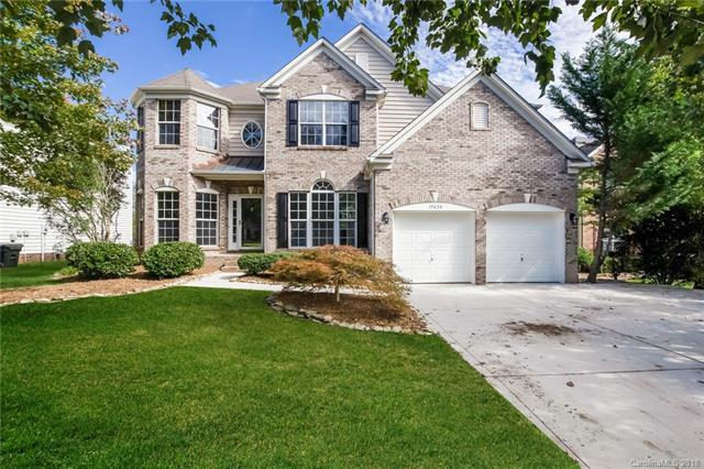 15420 Saxon Trace Court, Huntersville, NC 28078 (#3446384) :: The Andy Bovender Team