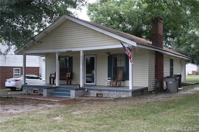 2220 5th Avenue, Gastonia, NC 28052 (#3446513) :: Washburn Real Estate
