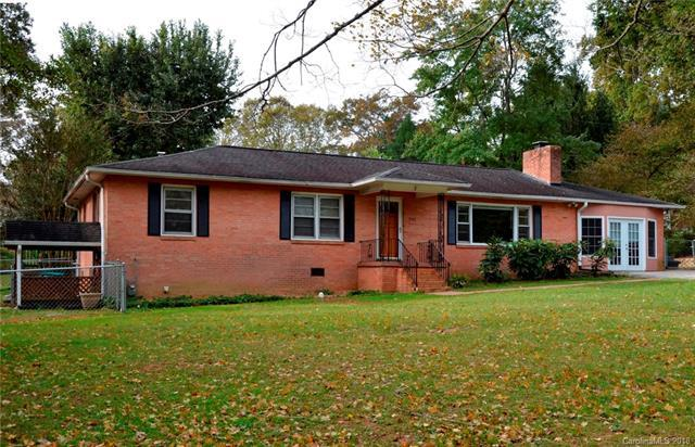 3111 Wesley Way, Hendersonville, NC 28792 (#3446551) :: Exit Mountain Realty