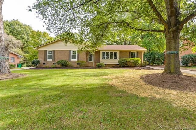 5329 Providence Road, Charlotte, NC 28226 (#3446623) :: Exit Mountain Realty
