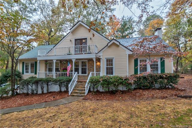 11207 Chestnut Hill Drive, Matthews, NC 28105 (#3446677) :: Exit Mountain Realty
