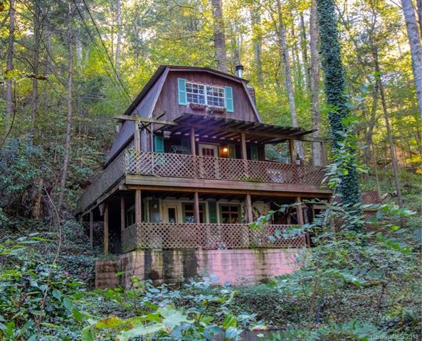 523 Spring Lake Road, Maggie Valley, NC 28751 (#3446774) :: Rinehart Realty