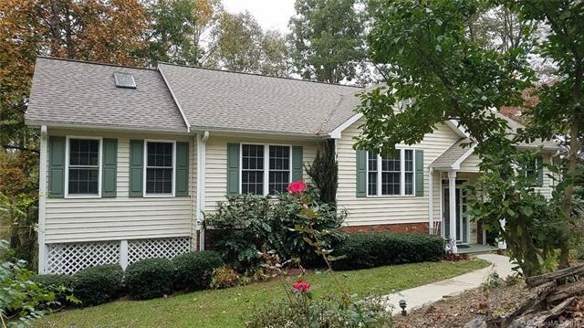 17 Rugby Knoll Drive, Hendersonville, NC 28791 (#3447021) :: Rinehart Realty
