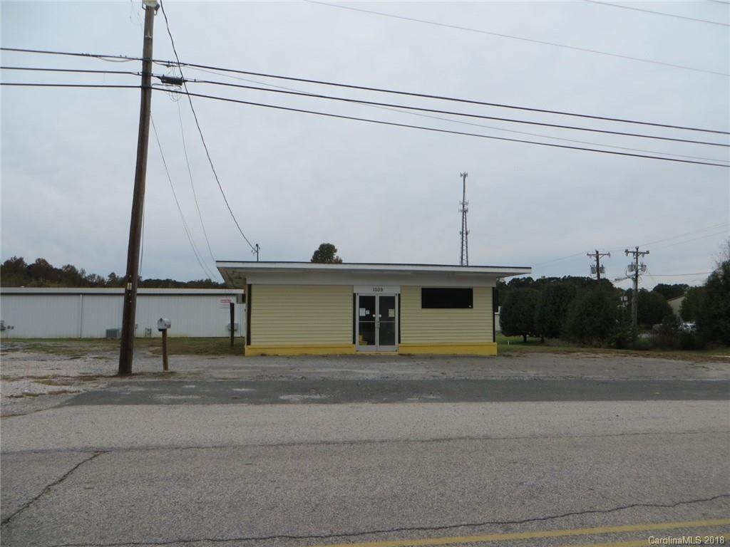 1009 Old North Main Street, Clover, SC 29710 (#3447460) :: Exit Mountain Realty