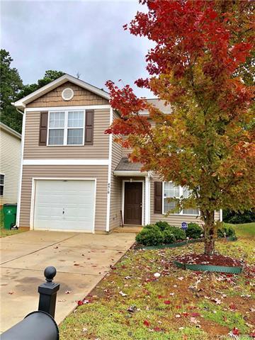 4510 Christenbury Hills Lane, Charlotte, NC 28269 (#3447627) :: Rinehart Realty