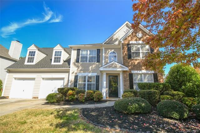 11400 Fox Hill Drive, Charlotte, NC 28269 (#3447900) :: The Premier Team at RE/MAX Executive Realty