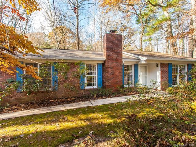 185 Haywood Knolls Drive, Hendersonville, NC 28791 (#3447945) :: Caulder Realty and Land Co.