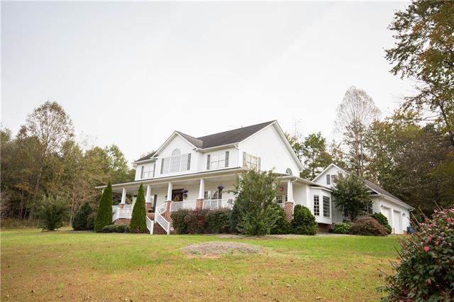 121 Fairway Oaks Lane, Taylorsville, NC 28681 (#3448102) :: Rinehart Realty